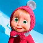 Маша улыбается